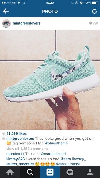 shoes mint roshe runs hawaiian