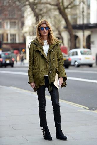 le fashion blogger sunglasses jeans coat sweater pants