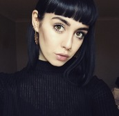 make-up,lipstick,pale,hannah pixie snowdon,goth hipster,sweater