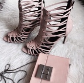 shoes,zara shoes,zara,sandals,sandal heels,strappy sandals,blush pink sandals,bag,pink bag,clutch