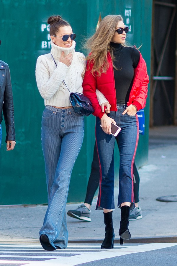 sweater crop cropped cropped sweater bella hadid gigi hadid model off-duty hadid sisters streetstyle turtleneck sweater jeans