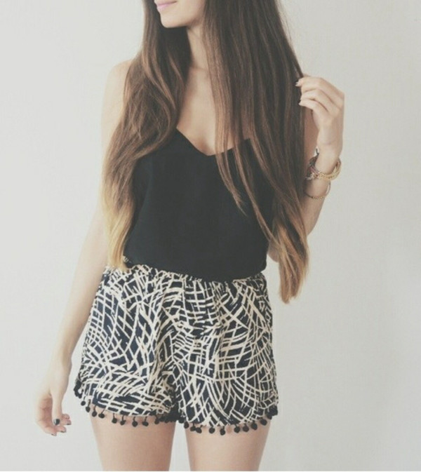 shorts short tank top shirt thin shorts cute summer black white flowy shorts black and white striped shorts loose shorts monochrome bethany mota hipster thin top romper blouse imprim? pom poms noir maron jumpsuit black top black and white shorts top shop stripes singlet