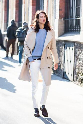 le fashion image blogger coat sweater jeans shoes trench coat white jacket spring outfits