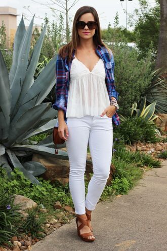 live more beautifully blogger top jeans jewels shoes sunglasses