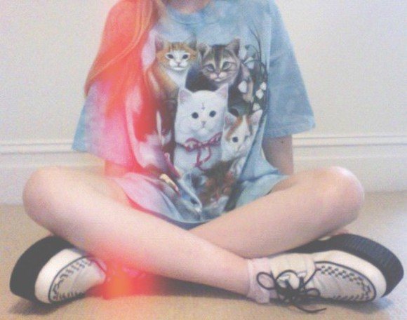 oversized t-shirt cats white creepers oversided creepers pastel goth The Mountain