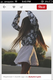 skirt,elastic high skirt,tank top,blouse,black and white,black and white blouse,floral,white flowers,pretty,girly,cute,hipster,long hair,pink,skater skirt,dress,shirt,sweater,top,black,white,long sleeves,flowy,pattern,t-shirt,hairstyles