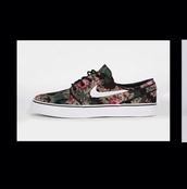 shoes,green,pink,nike,nike shoes,cute,palm tree print,flowers,camouflage