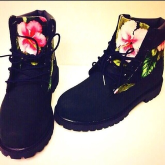 tropical timberlands print floral shoes dope shoes flower power love more want shoes black timberland boots timberlands boots black boots flowers fashion shopdopefein boots floaralprint black with flowers black shoes flourescent timberland boots shoes black floral