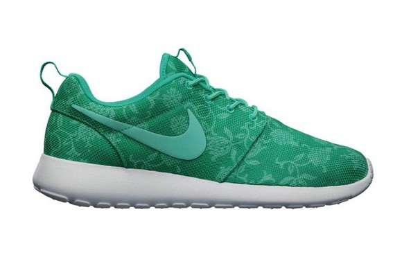floral shoes green nike nikeshoes pretty