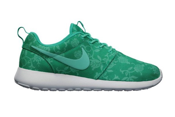 ... shoes nike nike sneakers green floral pretty nike roshe run woven all  black everything ...