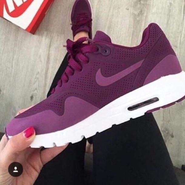 f56cc80a1f26 shoes purple nike nike roshe run nike shoes shoes air max nikes air max  lila dark