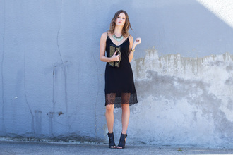 styling my life blogger bag jacket dress jewels shoes