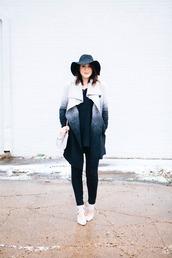 kendi everyday,blogger,felt hat,winter coat,ombre,sweater,jeans,coat,shoes,bag,hat