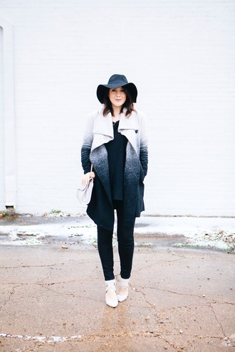 kendi everyday blogger felt hat winter coat ombre sweater jeans coat shoes bag hat