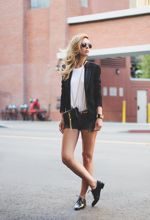sunglasses t-shirt belt jacket bag jewels shoes