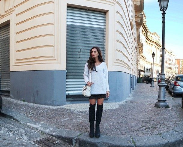 marie zamboli blogger oversized sweater knee high boots sweater bag skirt shoes jewels