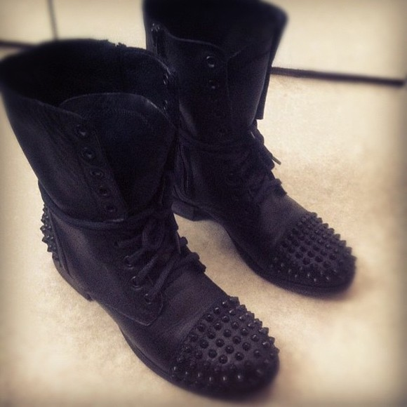 shoes spiked shoes black combat boots combat boots spikes