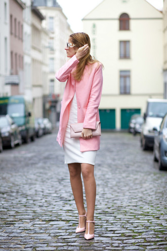from brussels with love blogger dress coat shoes bag