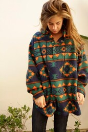 jacket,clothes,oversized jacket,patterned sweater,sweater,tribal pattern,pattern,comfy,oversized,trendy,vintage,printed sweater,fleece jackets,aztec