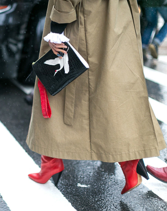 bag nyfw 2017 fashion week 2017 fashion week streetstyle black bag coat camel camel coat camel long coat long coat boots red boots high heels boots