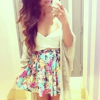 dress withe flowers
