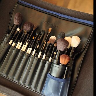 make-up make up acessory makeup brushes bobbi brown