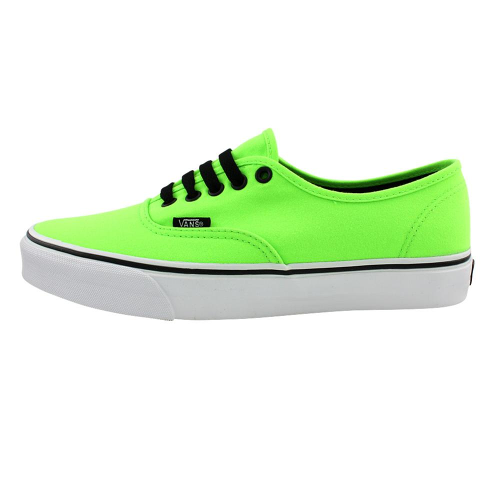 8b3ae0fccd2a22 Vans Authentic Skate Shoe