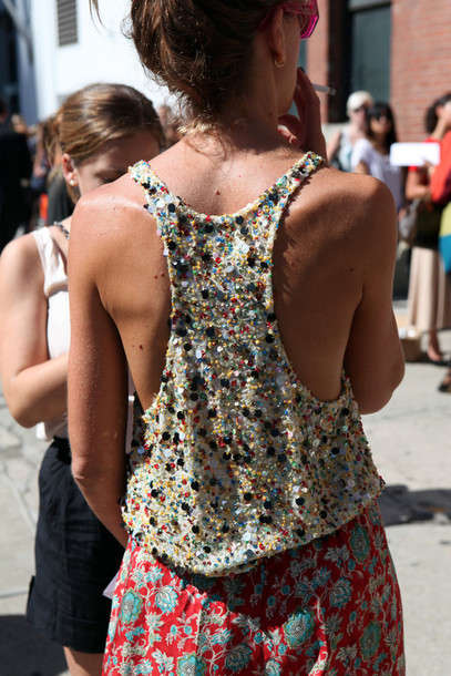 jewelry t-shirt t-shirt shirt open back open back shirt girl pearl loose loose fit sweater tank top beaded racerback backless sequins top
