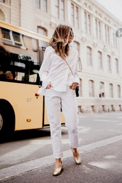 jeans,tumblr,white jeans,shoes,gold shoes,metallic,shirt,white shirt