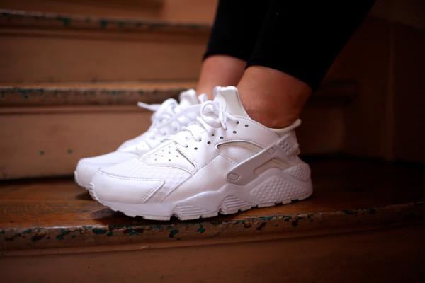 shoes sneakers nike huarache white