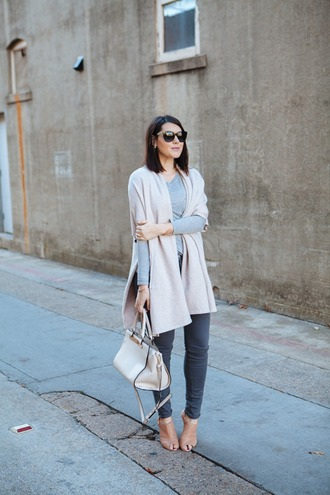 kendi everyday blogger sunglasses cardigan grey sweater handbag grey jeans sandals winter outfits classy