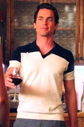 shirt,neal caffrey,matt bomer,white collar,v neck,collar