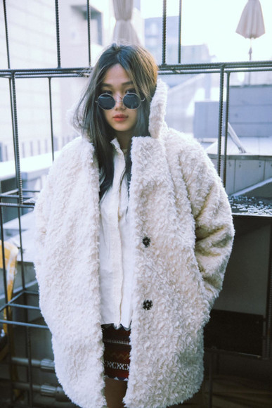 sunglasses coat wool asian pretty girl fur coat fur wooly tumblr fashion style circle blogger fur coat jacket cardigan