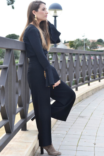 e0c5772874d pants tumblr black pants wide-leg pants top black top bell sleeves boots  grey boots