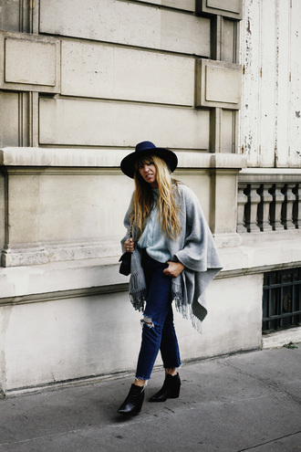 fringe and frange blogger shoes jeans sweater hat bag
