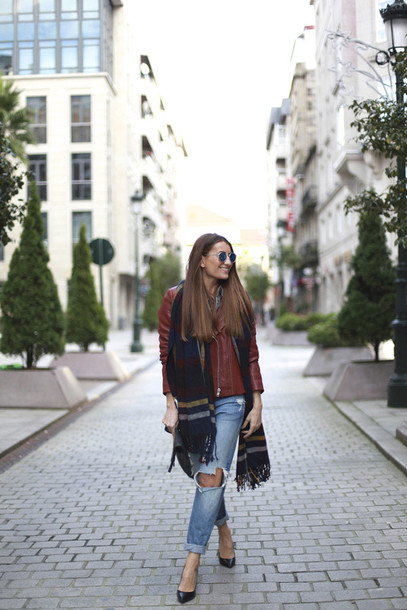 b a r t a b a c blogger red jacket blanket scarf ripped jeans