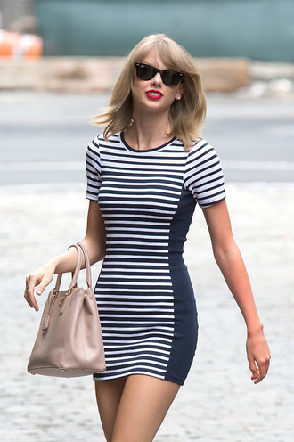 stripes striped dress navy navy dress navy blue dress white dress bicolor taylor swift streetstyle singer new york city sunglasses ray bans short dress