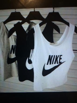 t-shirt black white grey nike crop tops