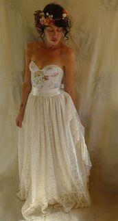 dress,bustier dress,bustier wedding dress,wedding dress,lace dress,embroidered,embroidered dress,corset,flowers,flower headband,long dress,white dress,frilly,boho,strapless dress