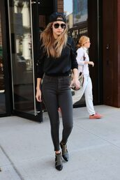 sweater,jeans,ankle boots,gigi hadid,spring,spring outfits,shoes,all black everything,black sunglasses,versace
