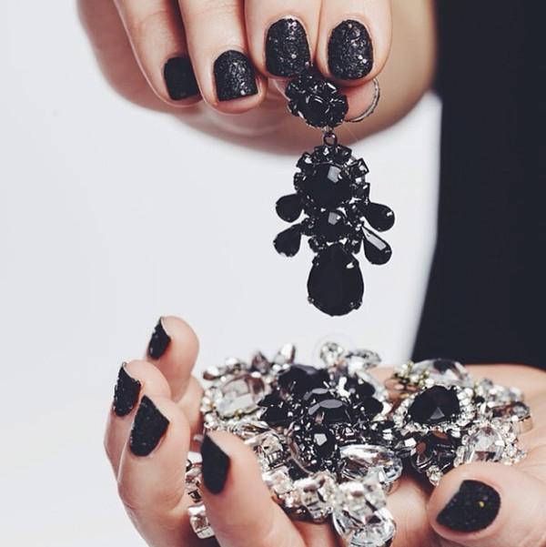 jewels black earrings statement