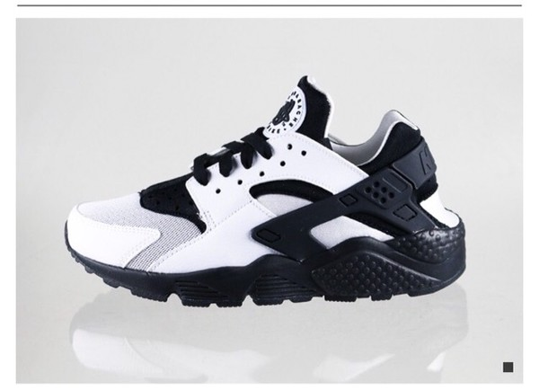 f63c3214de1a4 Nike Air Huarache White Black - Unisex Sports
