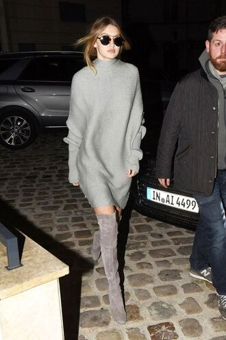 dress all grey everything all grey outfit gigi hadid celebrity style celebrity model model off-duty over the knee boots grey boots boots grey dress sweater dress knitwear knitted dress sunglasses streetstyle grey knit dress