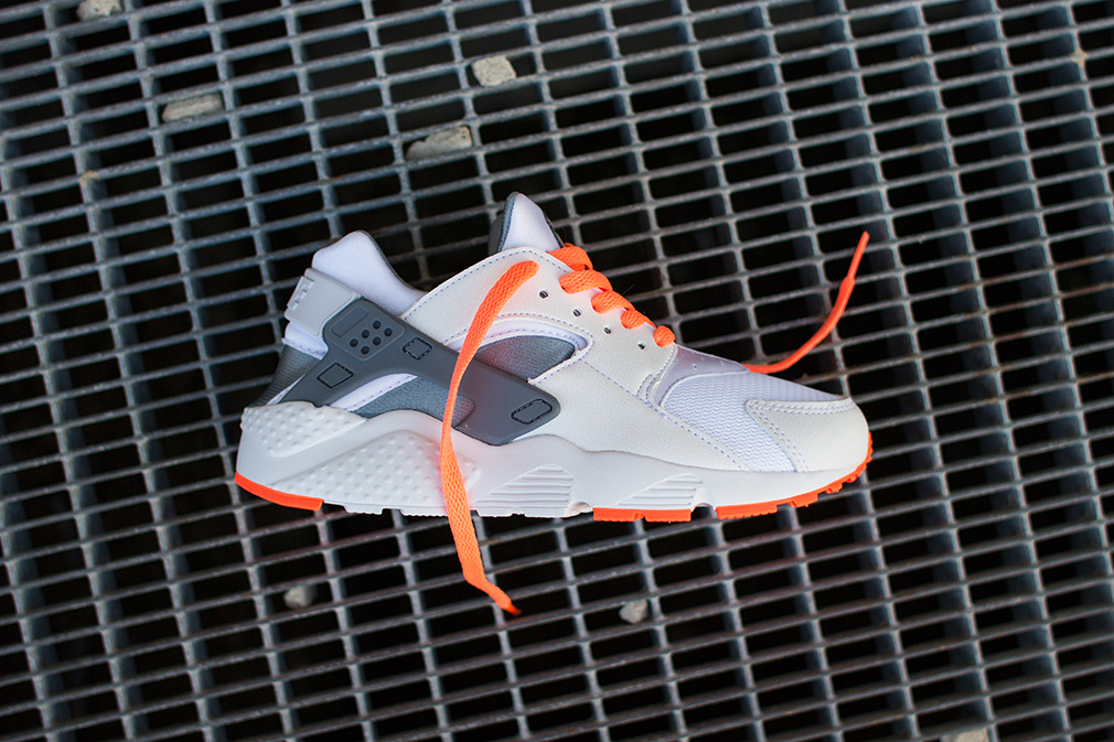 Nike - Huarache Run (GS) (white/ grey/ orange) - SUPPA
