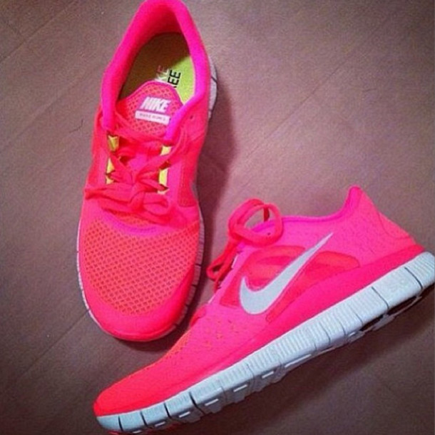 pink nike free run trainers