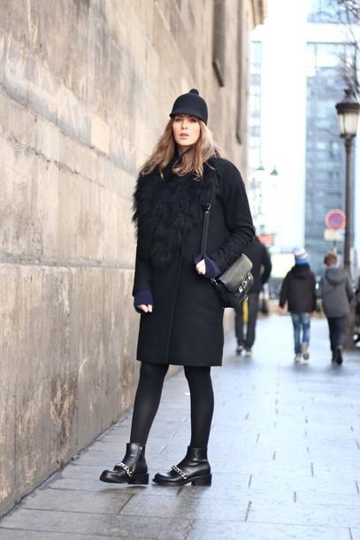 moderosa blogger hat coat bag shoes