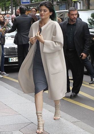 coat kylie jenner nude heels where to get them ? love love love