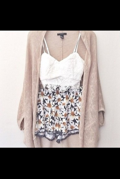 cute floaty t-shirt shorts floral daisy floral shorts jacket
