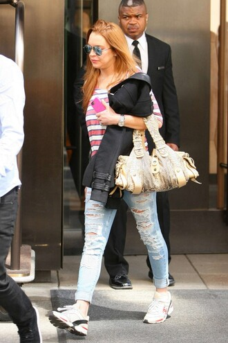 jeans top lindsay lohan spring outfits sneakers streetstyle