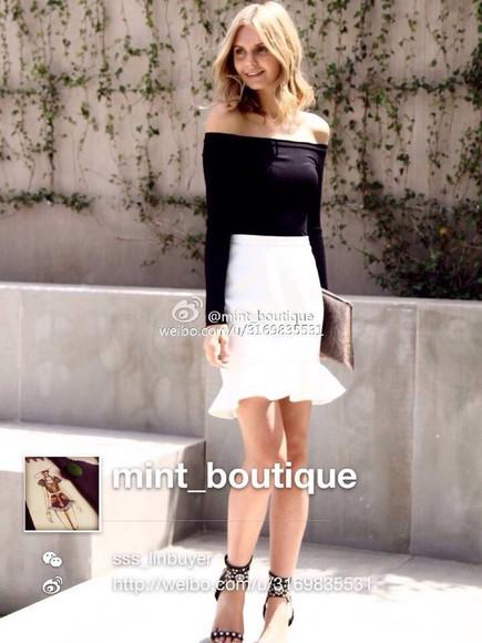 ruffle white skirt